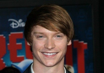 Calum Worthy Net Worth
