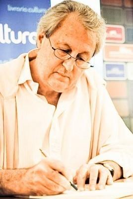 Fernando Roberto Moreira Salles Net Worth