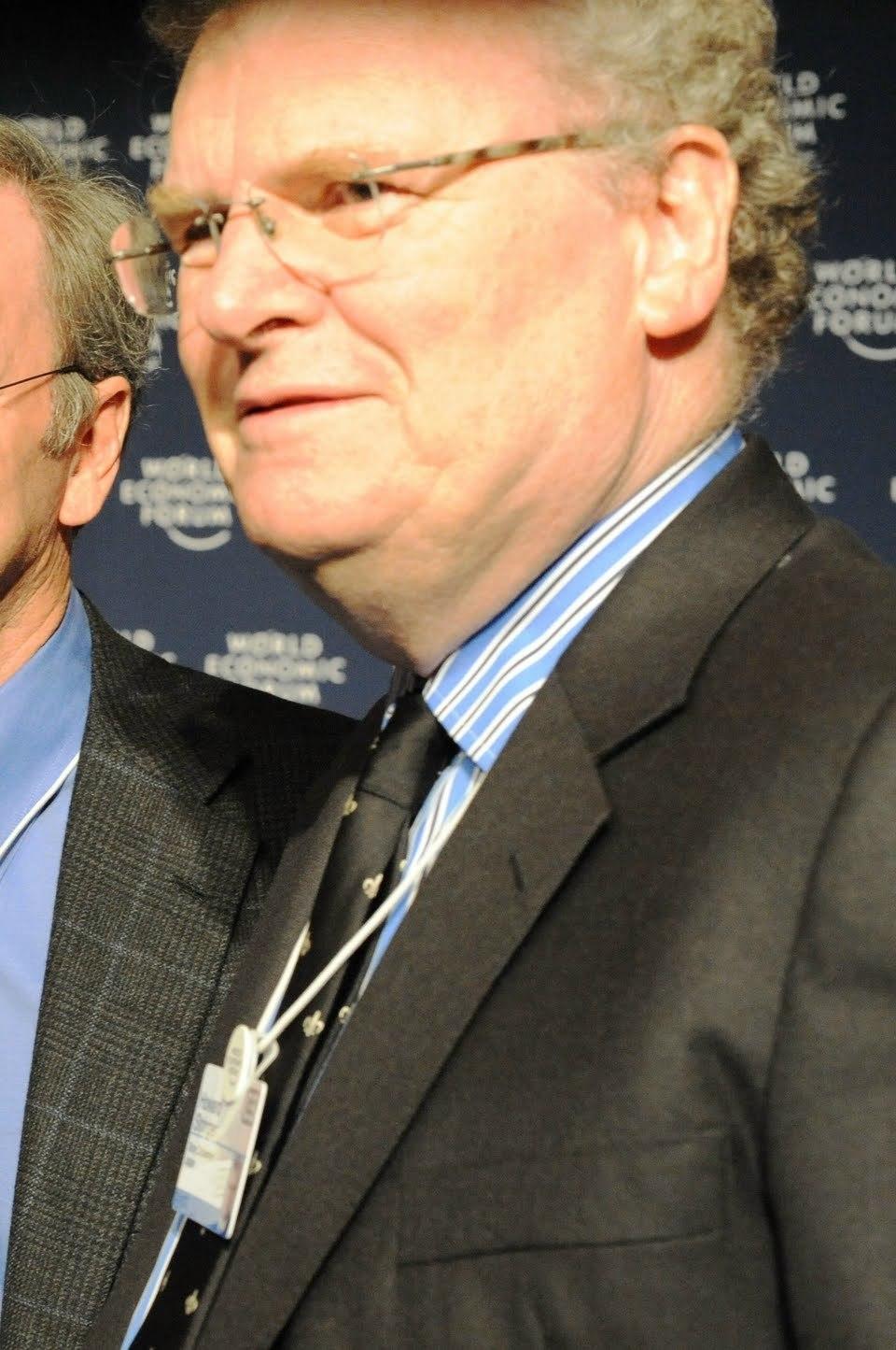 Howard Stringer Net Worth