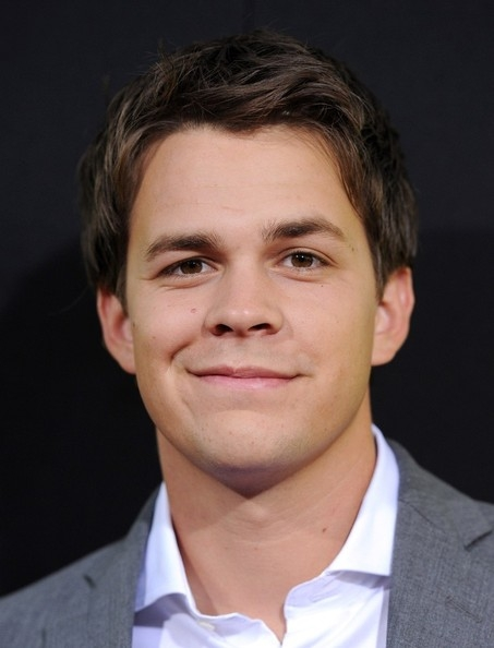 Johnny Simmons Net Worth