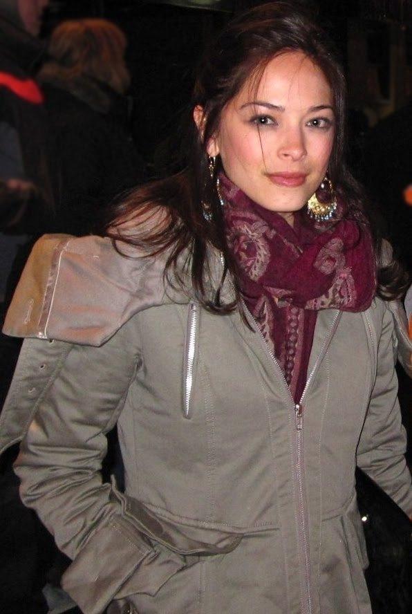 Kristin Kreuk Net Worth