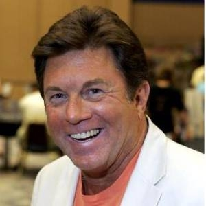 Larry Manetti Net Worth