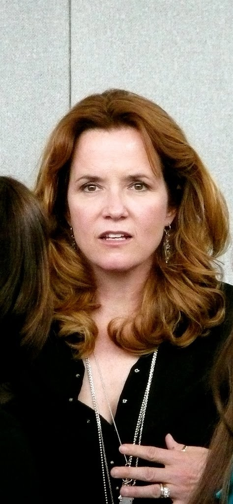 Lea Thompson Net Worth