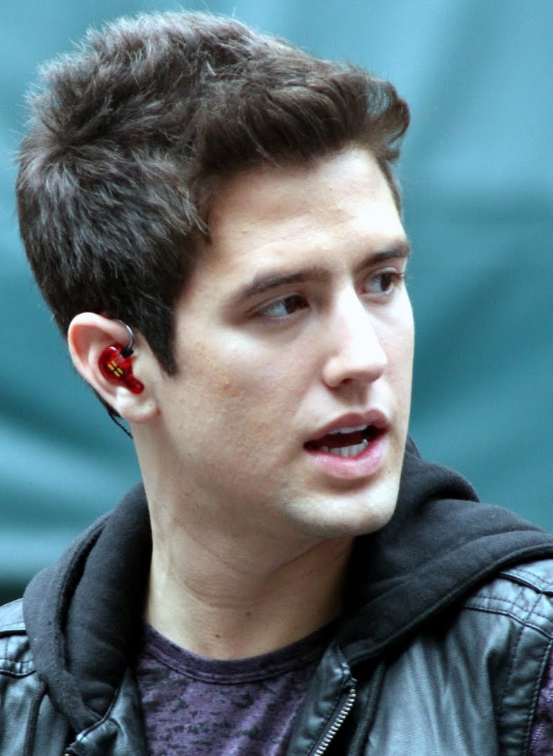 Logan Henderson Net Worth