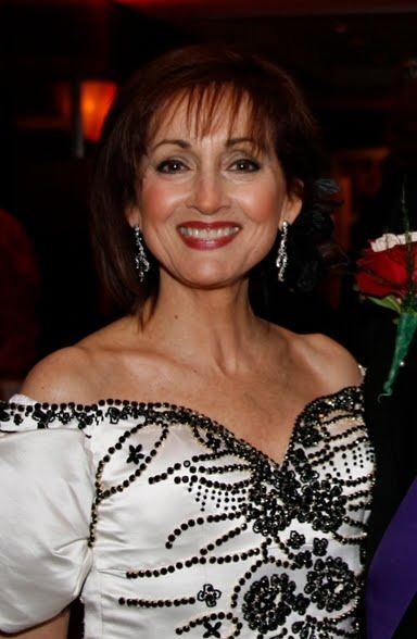 Robin Strasser Net Worth