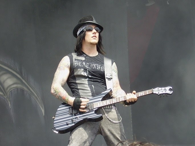 Synyster Gates Net Worth