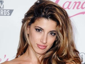 Tania Raymonde Net Worth