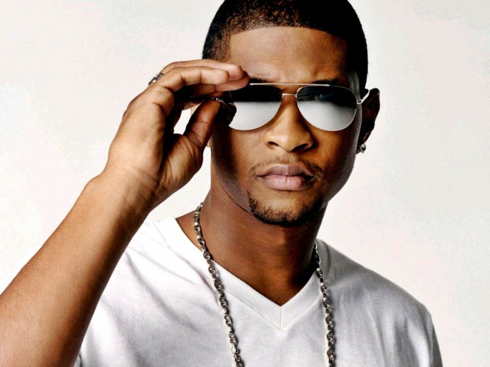 Usher Net Worth