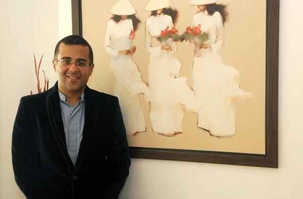 Chetan Bhagat Net Worth