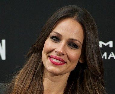 Eva González Net Worth