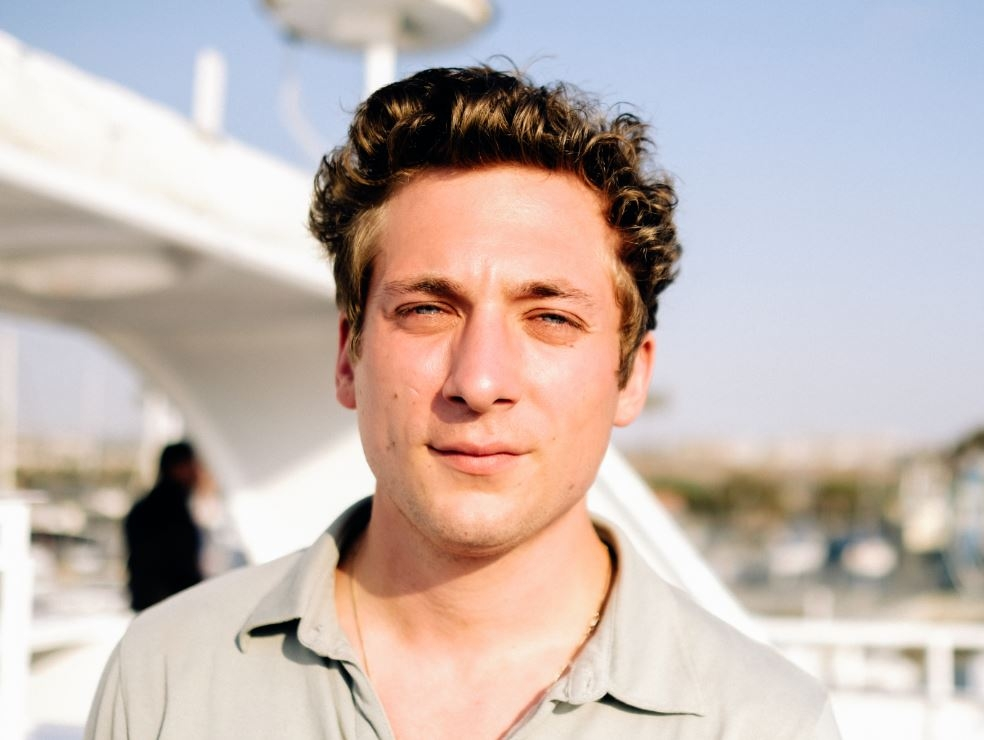 Jeremy Allen White Net Worth