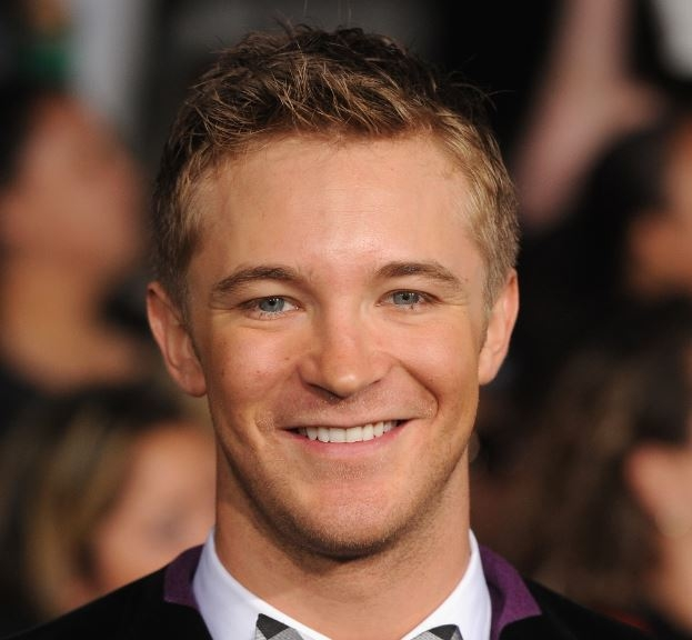 Michael Welch Net Worth
