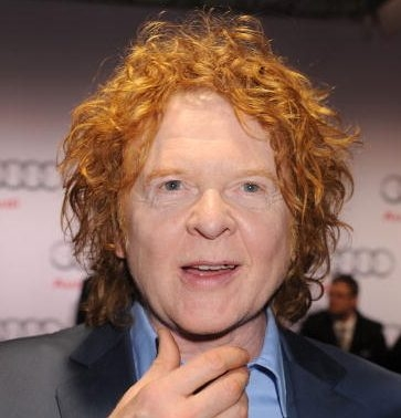 Mick Hucknall Net Worth